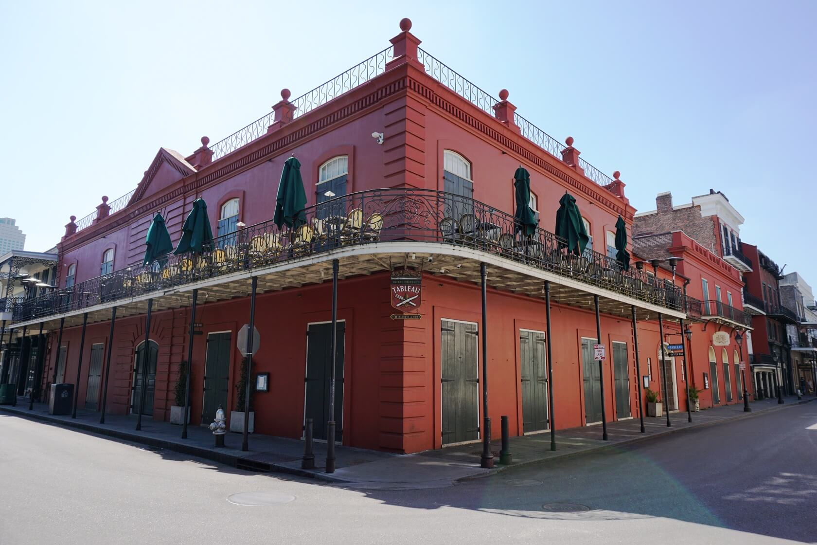 Let Petit Theatre & Tableau Restaurant