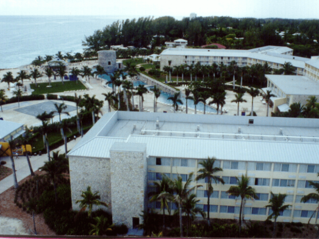 Lucayan Plaza Resort, Grand Bahamas
